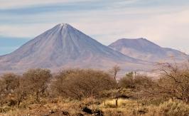 Il vulcano Licancabur visto dal Cile